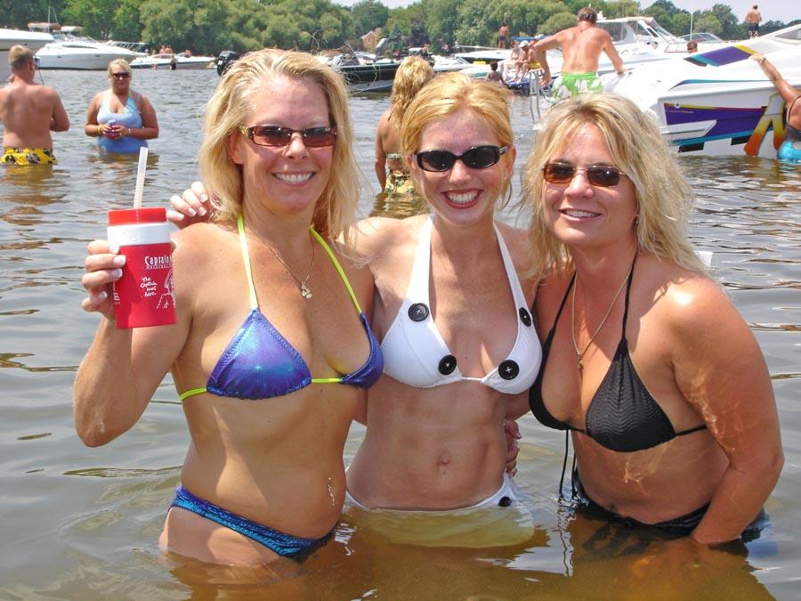 Boating Streichs Beach on Lake Winnebago July 2005 6