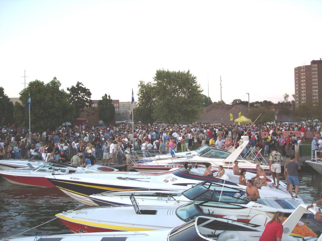 Oshkosh Waterfest 11