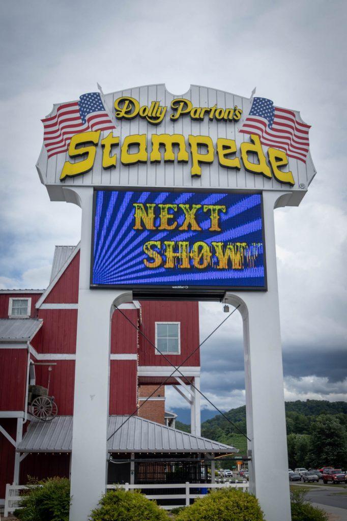Dolly Stampede Diner Show