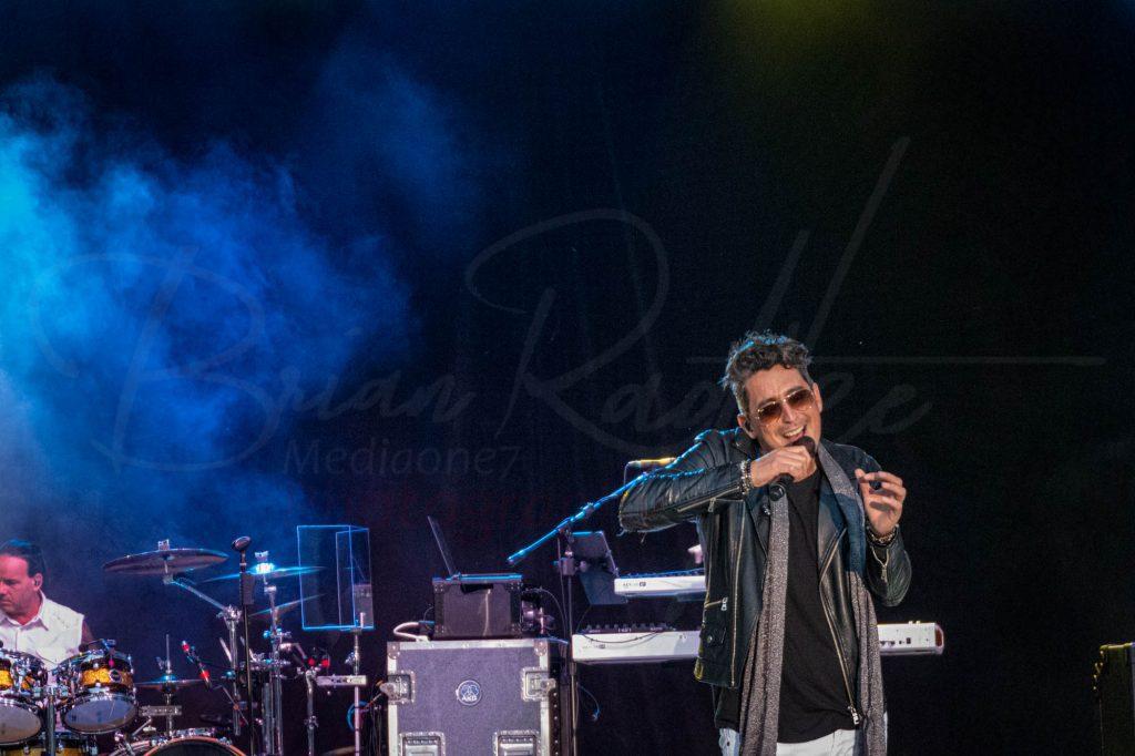 Oshkosh Waterfest - Rudy Cardenas sing Journey